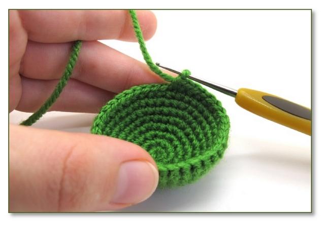 Вязание игрушек крючком и спицами для начинающих со ...